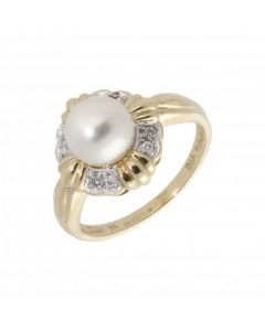Pre-Owned 9ct Yellow Gold Pearl & Diamond Dress Ring