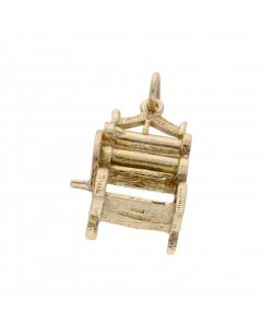 Pre-Owned 9ct Yellow Gold Washing Mangle Charm