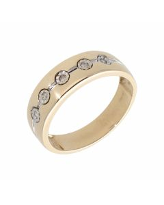 Pre-Owned 9ct Gold Illusion Set 5 Stone Diamond Band Ring