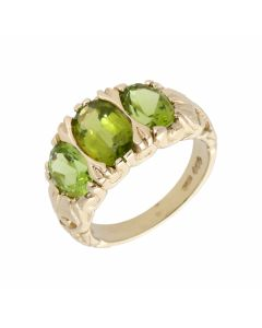 Pre-Owned 9ct Yellow Gold Peridot Trilogy Ring
