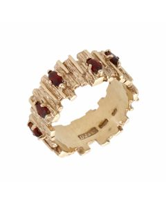 Pre-Owned 9ct Yellow Gold Garnet Set Barked Band Ring