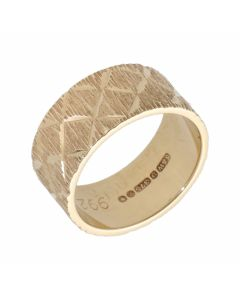 Pre-Owned 9ct Yellow Gold 8mm Patterned Wedding Band Ring