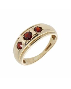 Pre-Owned 9ct Yellow Gold Garnet Trilogy Signet Style Band Ring