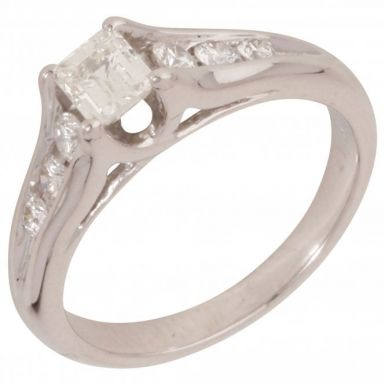Pre-Owned 18ct White Gold Mixed Cut Diamond Solitaire Ring