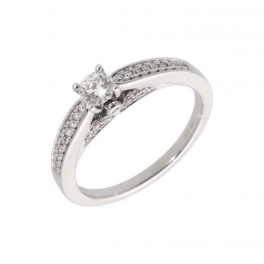Pre-Owned 14ct White Gold Diamond Solitaire & Shoulders Ring