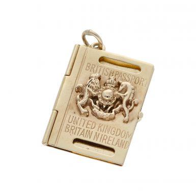 Pre-Owned 9ct Yellow Gold British Passport Charm
